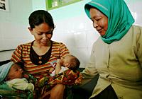 ibc_indonesia_tbamidwife1.jpg